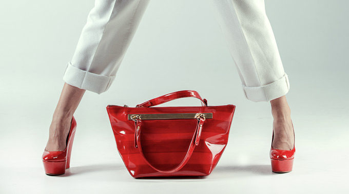 Rdeča ženska torbica